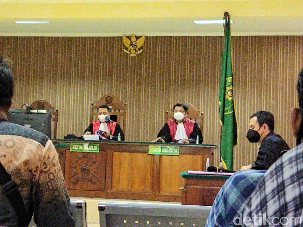 Pembunuh 4 Orang Sekeluarga di Rembang Disidang, Keluarga: Hukum Mati!