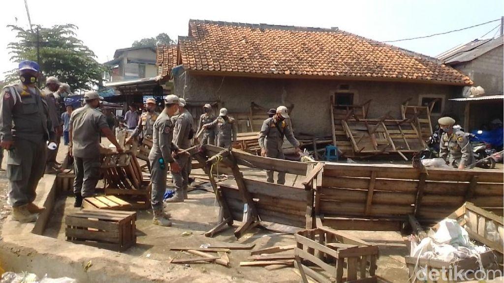 Ratusan PKL di Pasar Ciranjang Ditertibkan