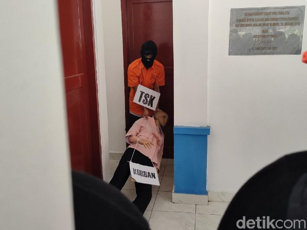 36 Adegan Pembunuhan Berantai 2 Wanita Muda Kulon Progo Diperagakan