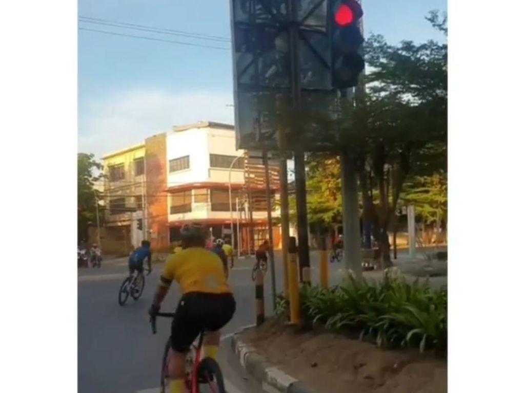 Road Bike di Makassar Juga Disorot, Peletonan Terobos Lampu Merah