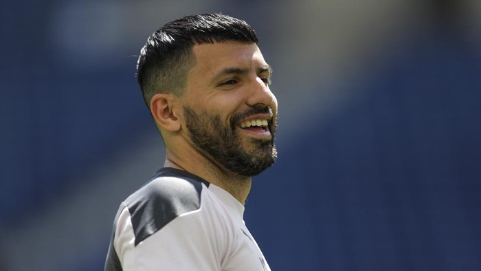 Manchester Citys Sergio Aguero works out with teammates during a training session ahead of the Champions League final match at the Dragao stadium in Porto, Portugal, Friday, May 28, 2021. Manchester City and Chelsea will play the Champions League final on Saturday. (AP Photo/Manu Fernandez)