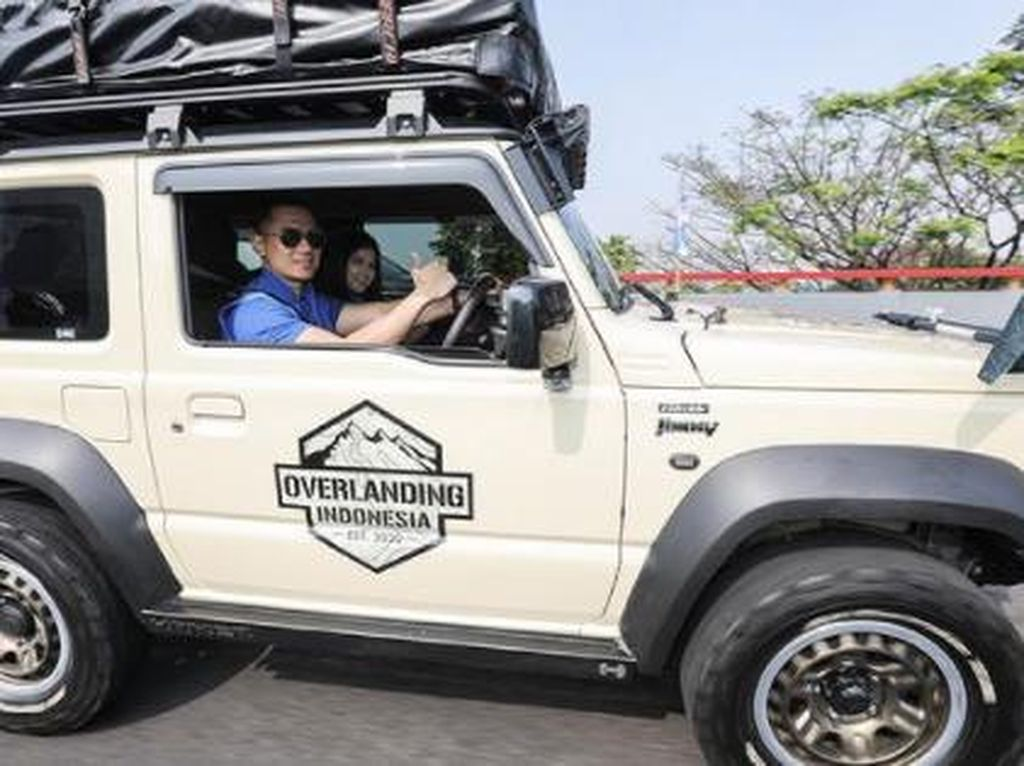 Nostalgia Agus Yudhoyono Keliling Kota Kembang Pakai Suzuki Jimny