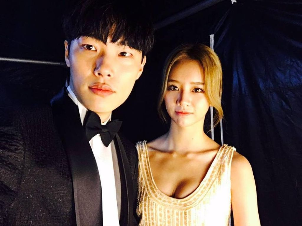 Ryu Jun Yeol dan Hyeri Makin Lengket, Tepis Rumor Putus yang Beredar