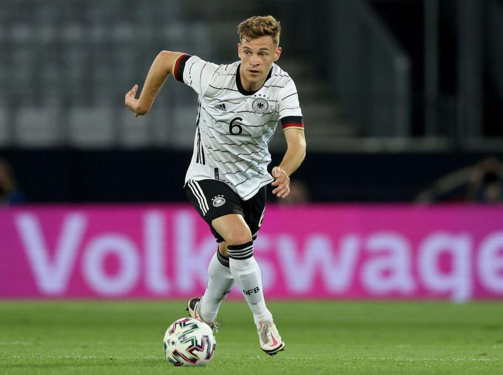Kroos Puji Kimmich yang Rela Main di Bek Kanan Saat Euro 2020