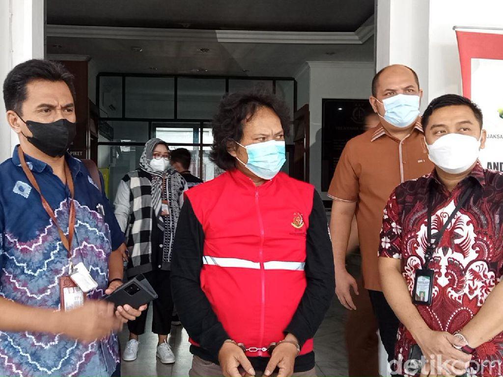 Kejari Ringkus Buronan 8 Tahun Kasus Dana Hibah Pemkot Bandung