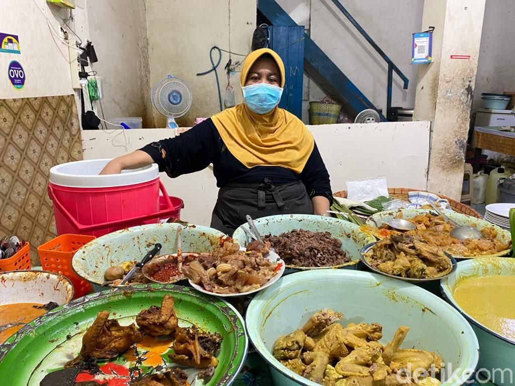 Ini Gudeg Koyor Semarang yang Lembut Kenyal Buatan Mbak Tum