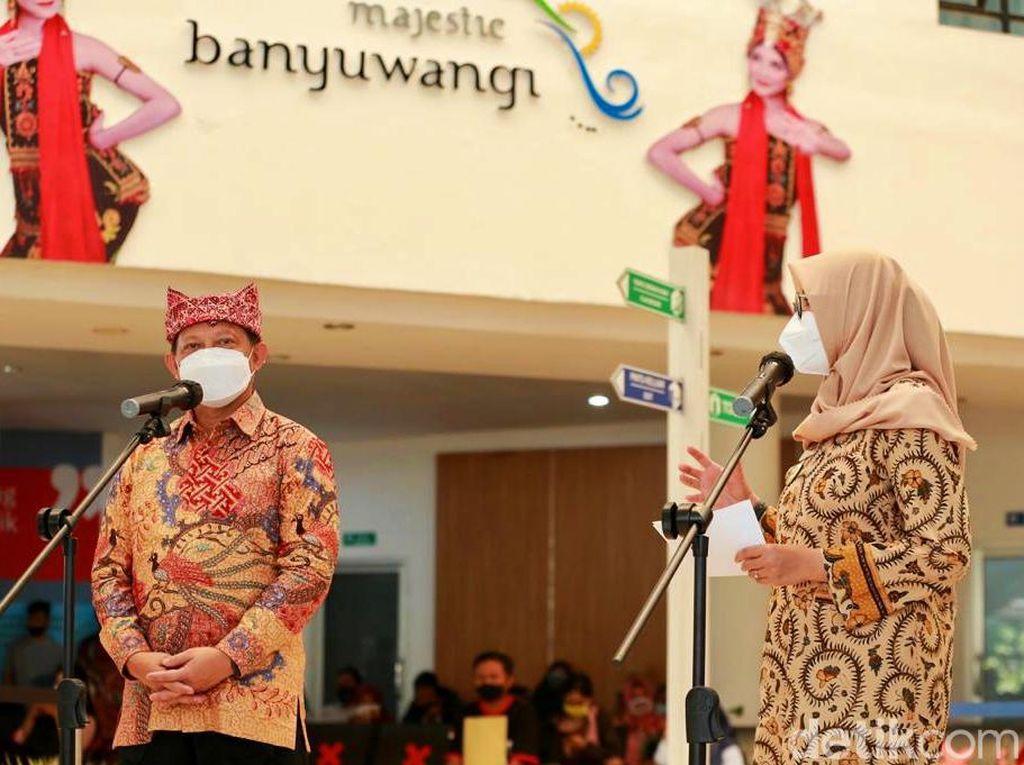 Keliling Banyuwangi, Mendagri Gembira Lihat Kemajuan Pelayanan Publik