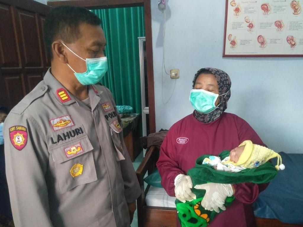 Bayi Perempuan Ditemukan di Pekarangan Rumah Warga Blitar