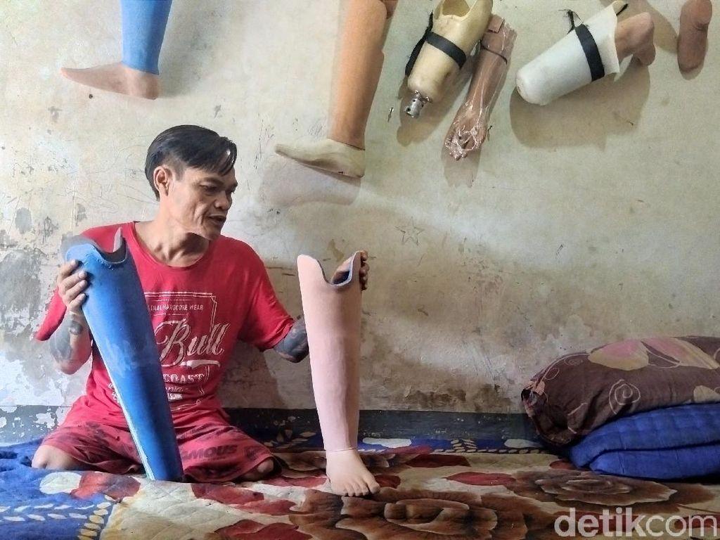 Balada Indra Mengukir Karya dan Menepis Stigma