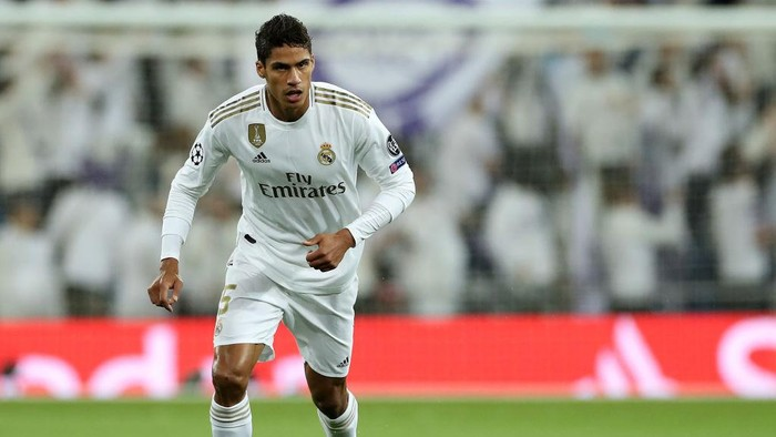 MADRID, SPAIN - NOVEMBER 06: Raphael Varane of Real Madrid in action during the UEFA Champions League group A match between Real Madrid and Galatasaray at Bernabeu on November 06, 2019 in Madrid, Spain. (Photo by Angel Martinez/Getty Images)