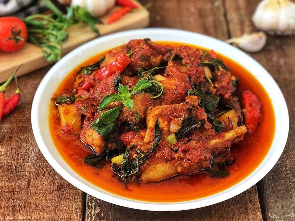 Resep Pembaca : Ayam Woku Manado yang Pedas Nendang