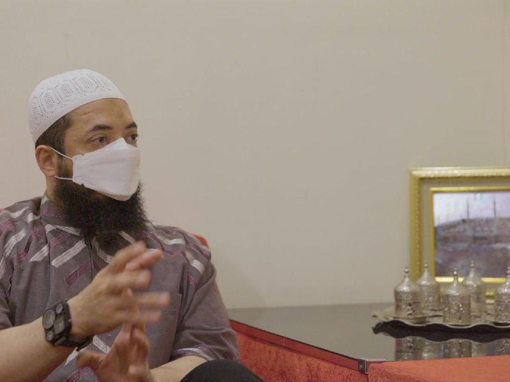 Mengenal Ustaz Khalid Basalamah, Bisa Masak tapi Hobi Kulineran