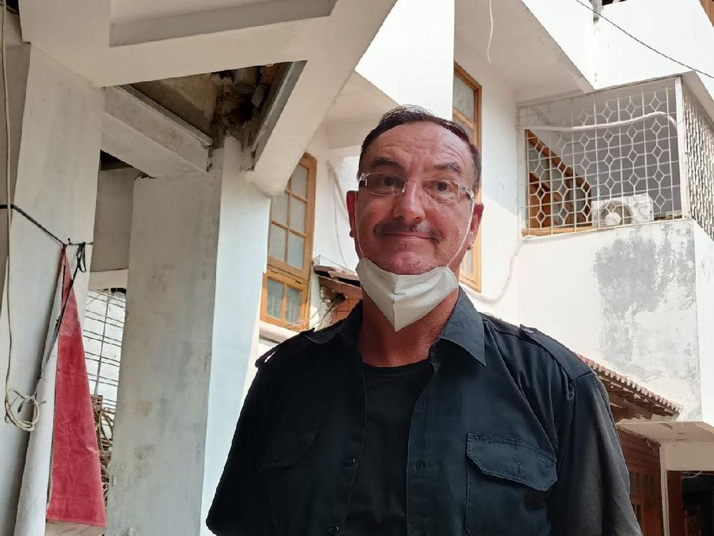 WN Belanda Buka Suara soal Tuduhan Serobot Lahan Tetangga di Jakbar