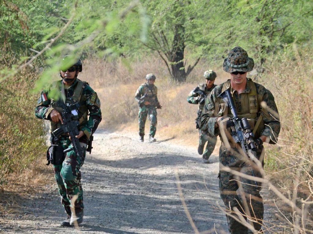 Marinir Indonesia dan Amerika Serikat Berlatih Taktik Perang Kota