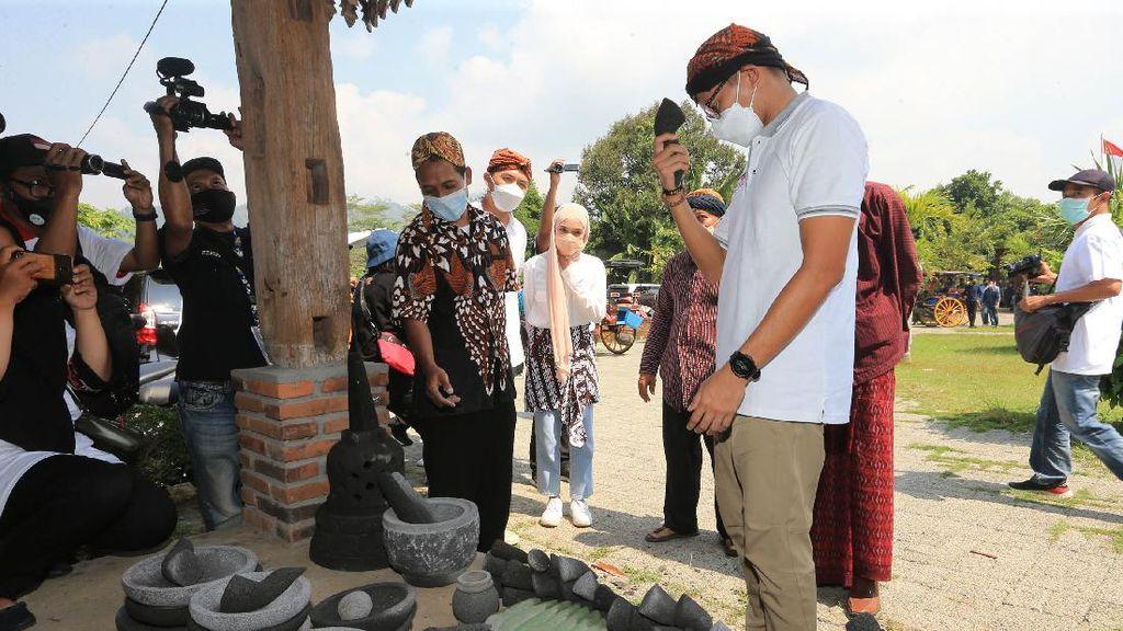 Momen Keseruan Menteri Sandi di Desa Wisata Candirejo