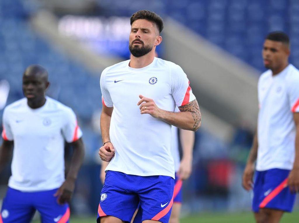 Apa Iya Kontrak Baru Giroud Akal-akalan Chelsea untuk Dapat Duit?
