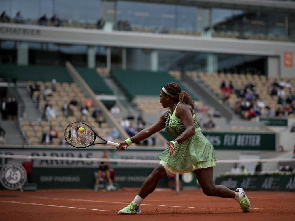 Serena, Medvedev Tiba di Babak 16 Besar Prancis Terbuka 2021