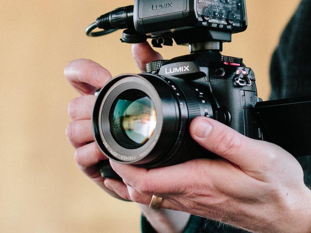 Lumix GH5 II Kamera Canggih Dengan Harga Terjangkau