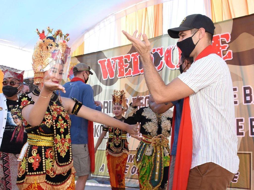 Culture Day Cara TNI AL Kenalkan Budaya Tradisional ke Marinir Amerika