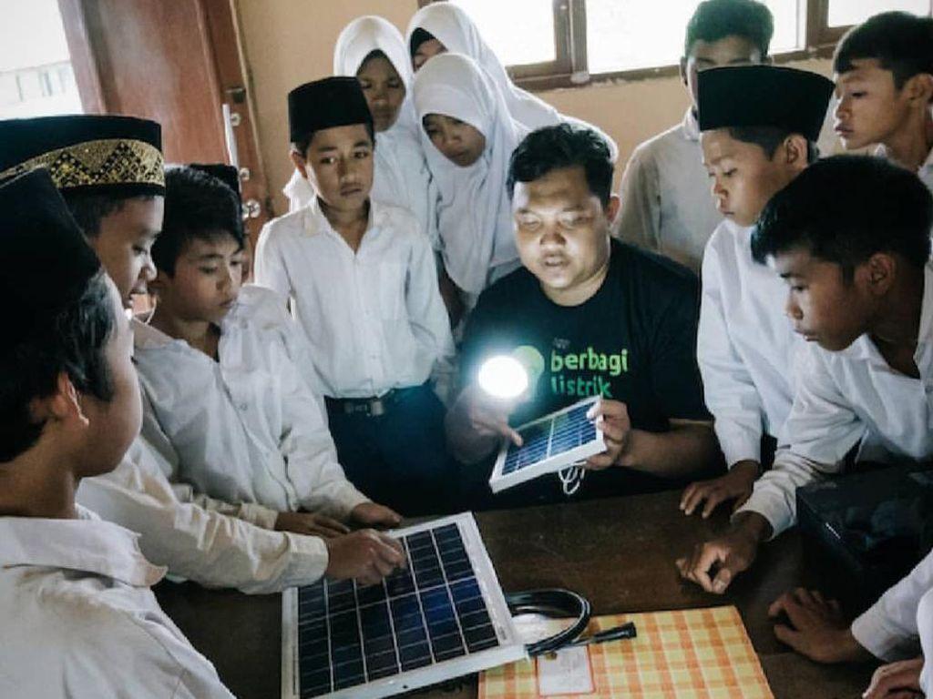 Kisah Alumni LPDP yang Bangun Startup untuk Terangi Daerah Indonesia