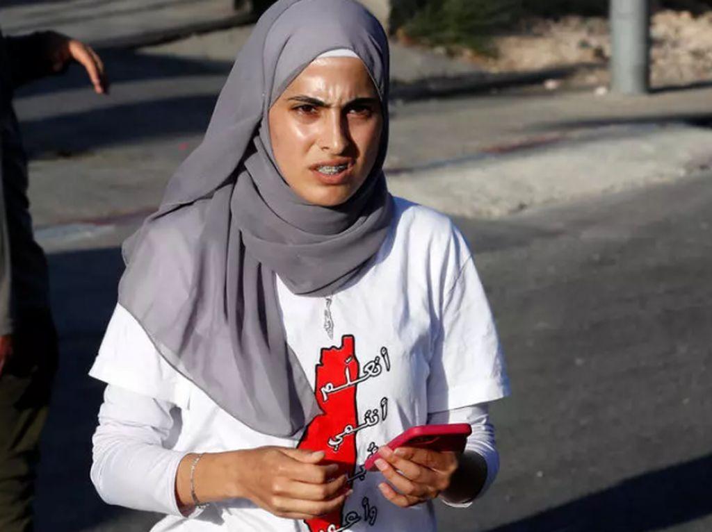 Muna el-Kurd Aktivis Wanita Palestina Ditangkap Polisi Israel