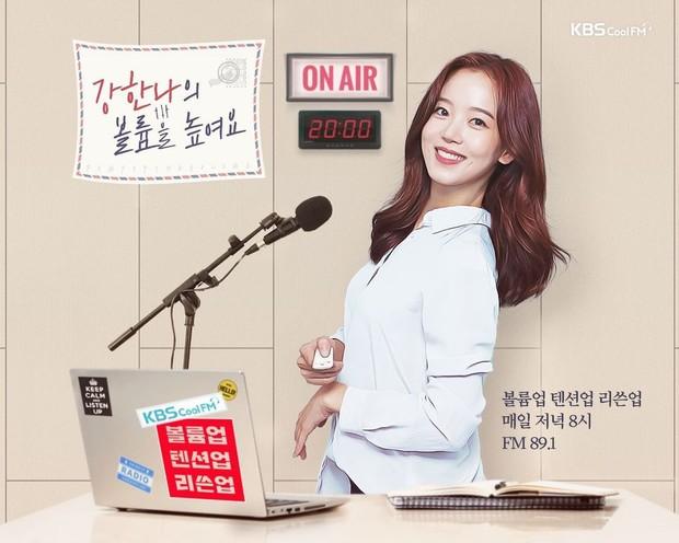 Sosok Kang Han Na sebagai DJ Radio.