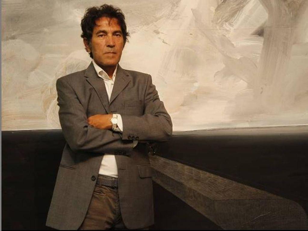 Bikin Melongo, Seniman Italia Jual Patung Tak Kasat Mata Seharga Rp 256 Juta