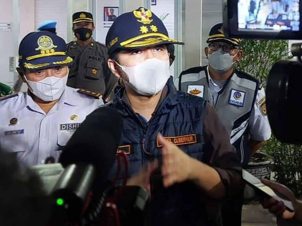 Siasati Penumpukan di Suramadu, Emil Sarankan Penyekatan Pintu Masuk Bangkalan
