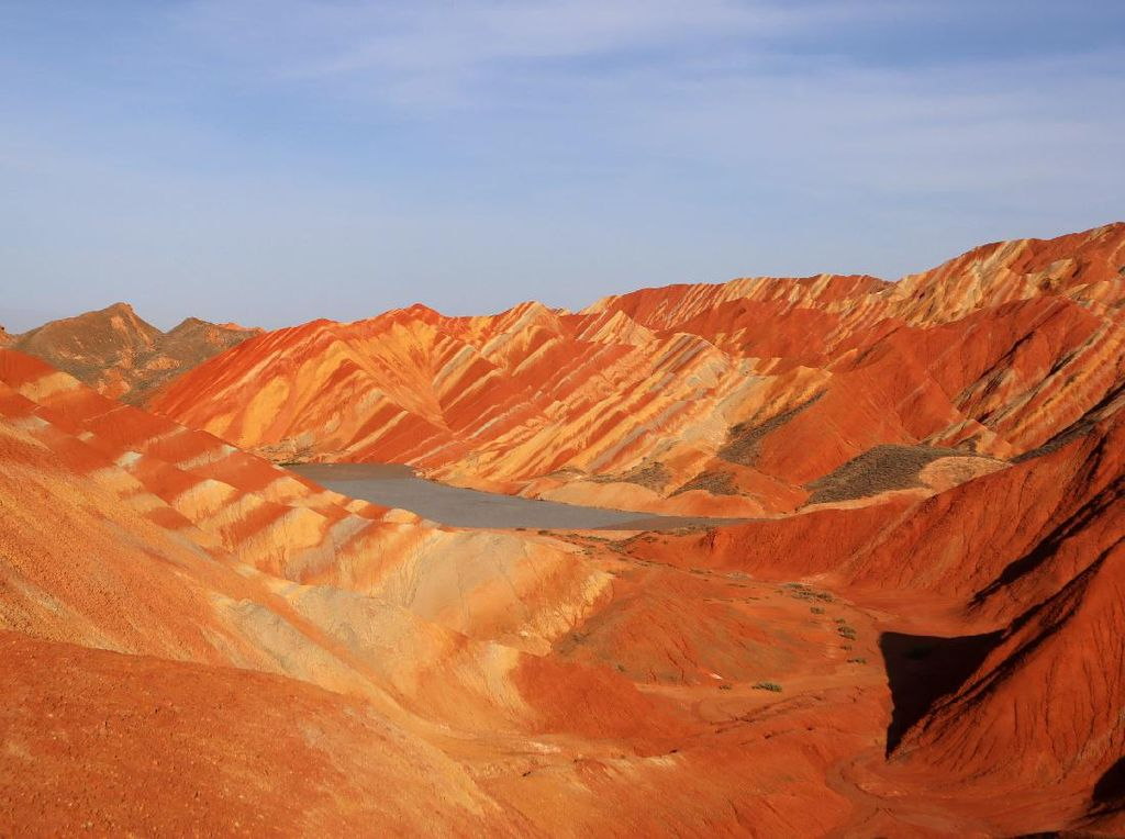Indahnya Gunung Pelangi di Zhangye China