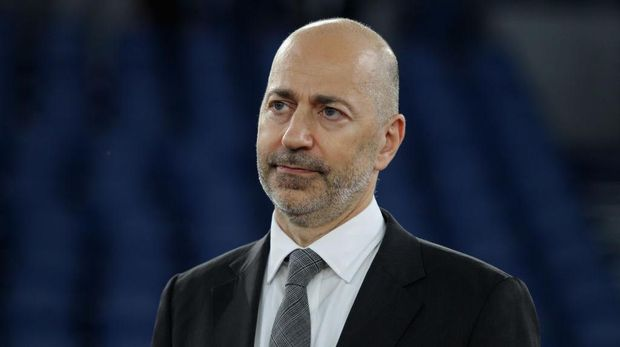 ROME, ITALY - JULY 04:  AC Milan CEO Ivan Gazidis looks on during the Serie A match between SS Lazio and  AC Milan at Stadio Olimpico on July 4, 2020 in Rome, Italy.  (Photo by Paolo Bruno/Getty Images)