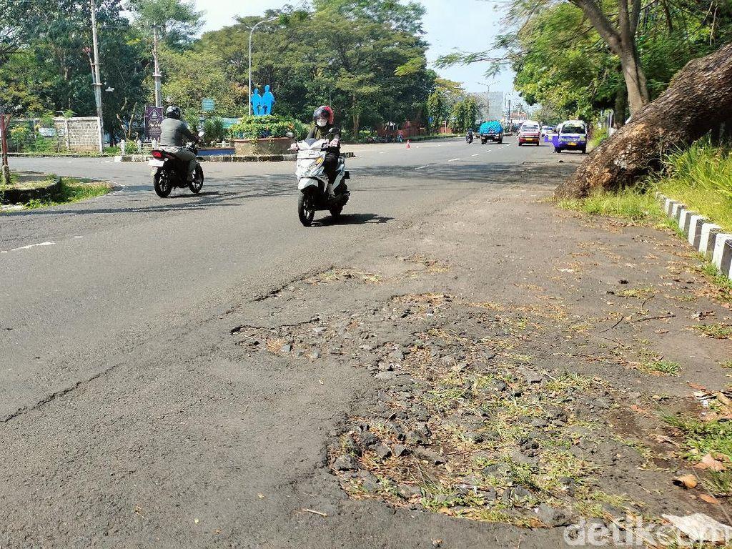 188 Km Jalan di Kuningan Rusak, Perbaikan Terkendala Anggaran