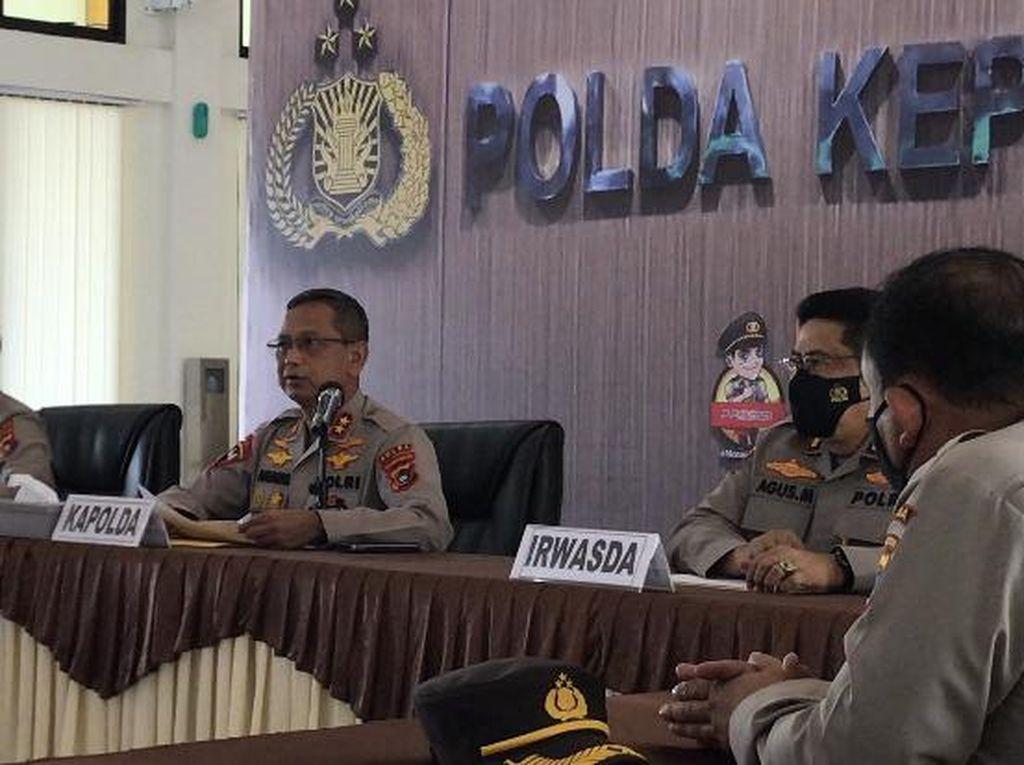 Polisi Kejar-Tembaki Kapal Hantu dari Heli di Perairan Babel Bak Film Laga