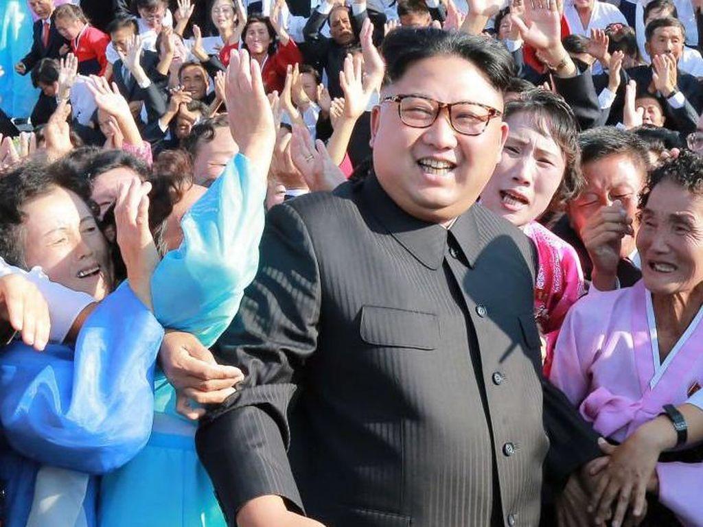 Kim Jong Un Larang Bahasa Gaul-Film Asing karena Dianggap Racun Berbahaya