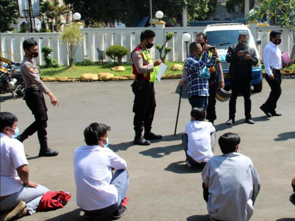 Diduga Akan Tawuran, Belasan Pelajar di Sukabumi Diamankan Polisi