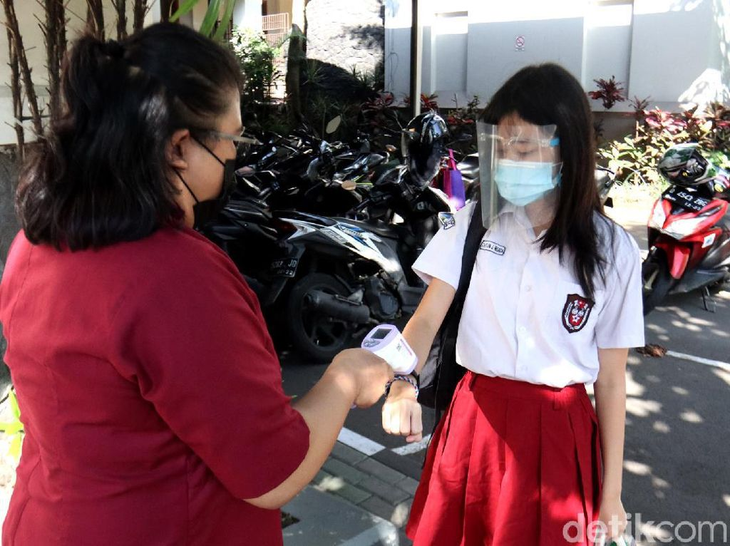 PTM Terbatas akan Dimulai, Sekolah Wajib Terapkan Prokes Ini