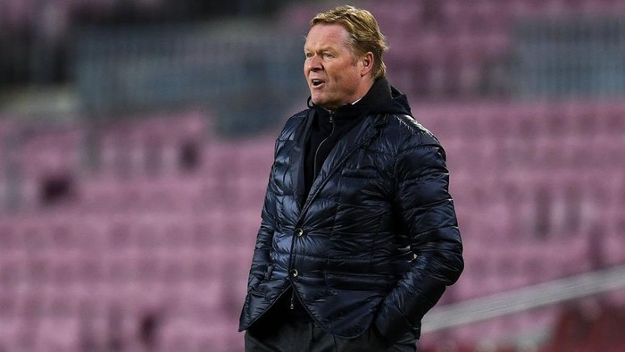 BARCELONA, SPAIN - DECEMBER 08: Head coach Ronald Koeman of FC Barcelona reacts during the UEFA Champions League Group G stage match between FC Barcelona and Juventus at Camp Nou on December 08, 2020 in Barcelona, Spain. Sporting stadiums around Spain remain under strict restrictions due to the Coronavirus Pandemic as Government social distancing laws prohibit fans inside venues resulting in games being played behind closed doors. (Photo by David Ramos/Getty Images)