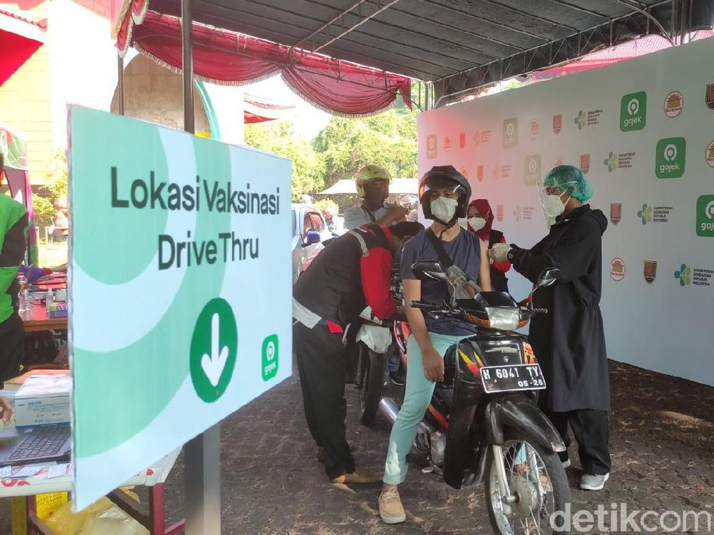 Vaksinasi Sambil Piknik Digelar di Klenteng Sam Poo Kong Semarang