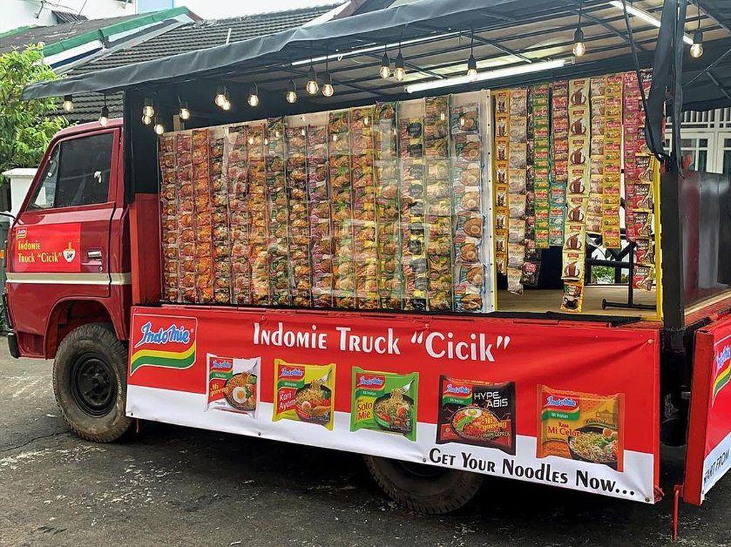 Unik! di Palembang Ada Warmindo dengan Konsep Food Truck Self Service