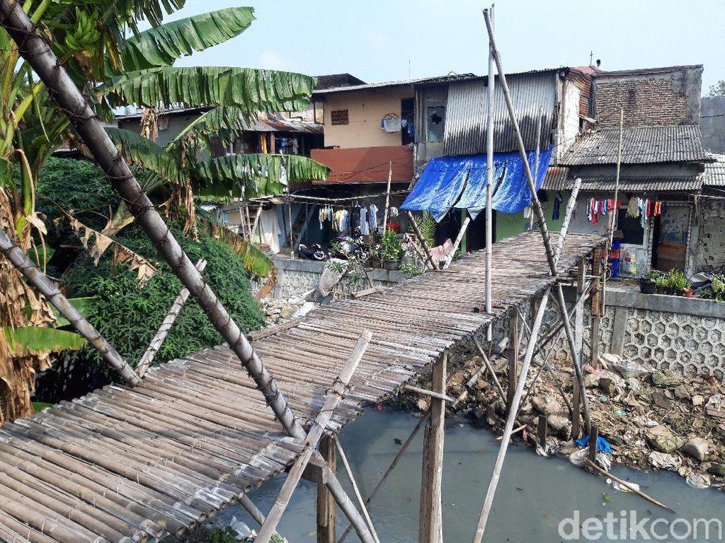 Masih Ada Jembatan Bambu Reyot di Jakarta, Bikin Warga Khawatir