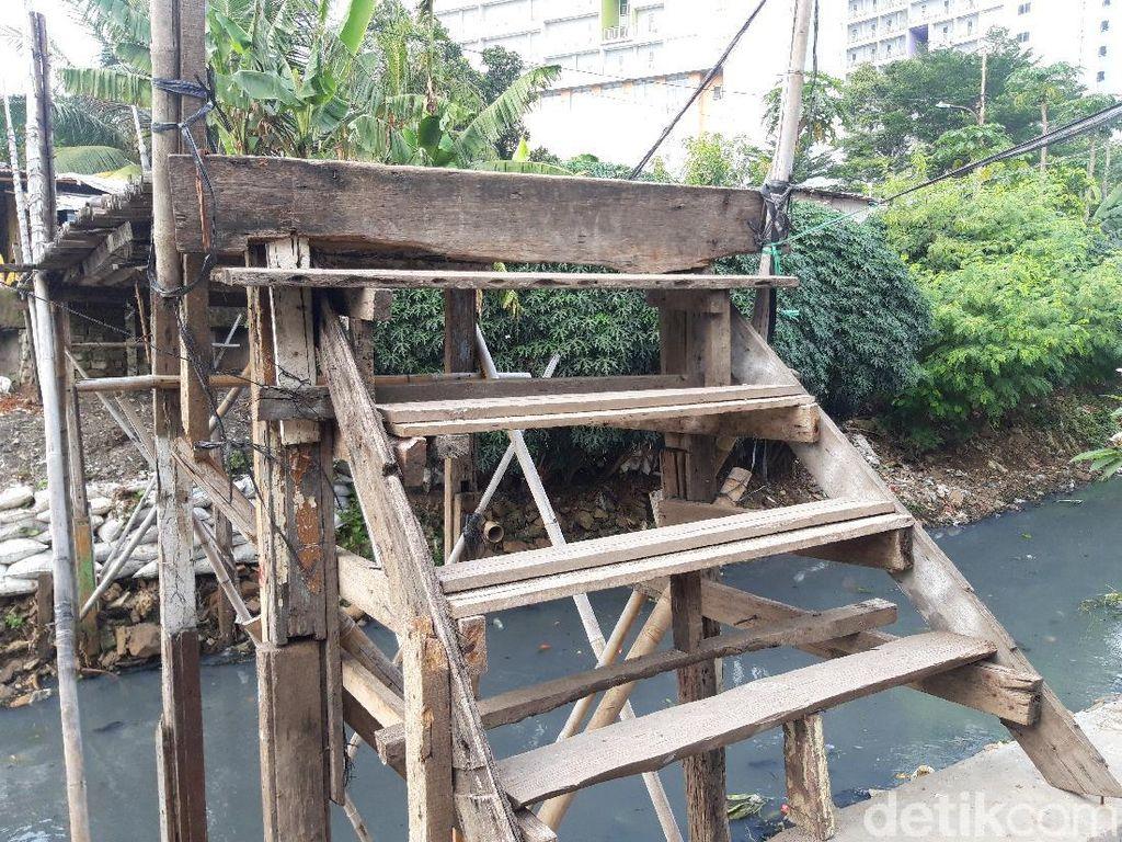 Warga Ingin Jembatan Bambu Reyot Diperbaiki, Bina Marga DKI Akan Cek