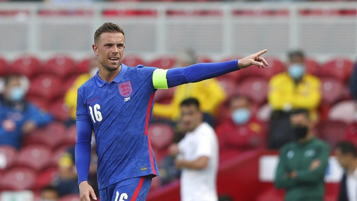 Englands Jordan Henderson gestures during the international friendly soccer match between England and Romania in Middlesbrough, England, Sunday, June 6, 2021. (AP Photo/Scott Heppell, Pool)