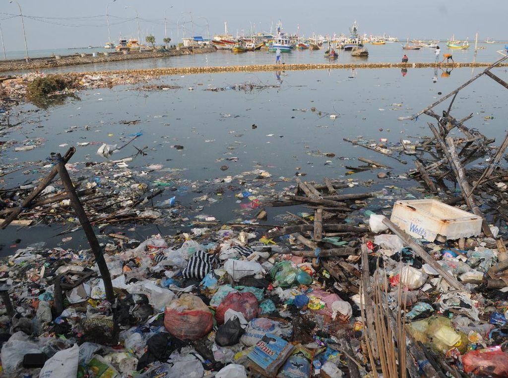 Hari Laut Sedunia, Pantai di Pamekasan Penuh Sampah