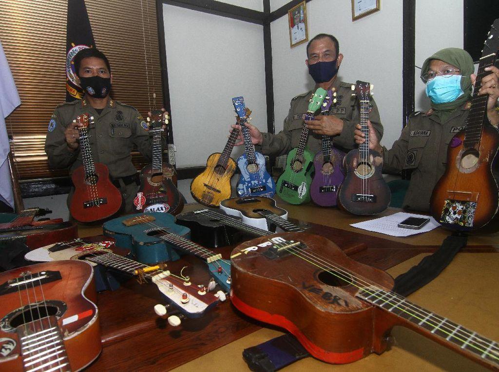 Razia Pengamen, Belasan Alat Musik Diamankan