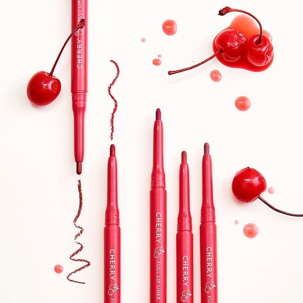 Skinfood Cherry Lip Pencil termasuk dalam produk yang terindikasi memiliki kandungan logam berat berlebih.