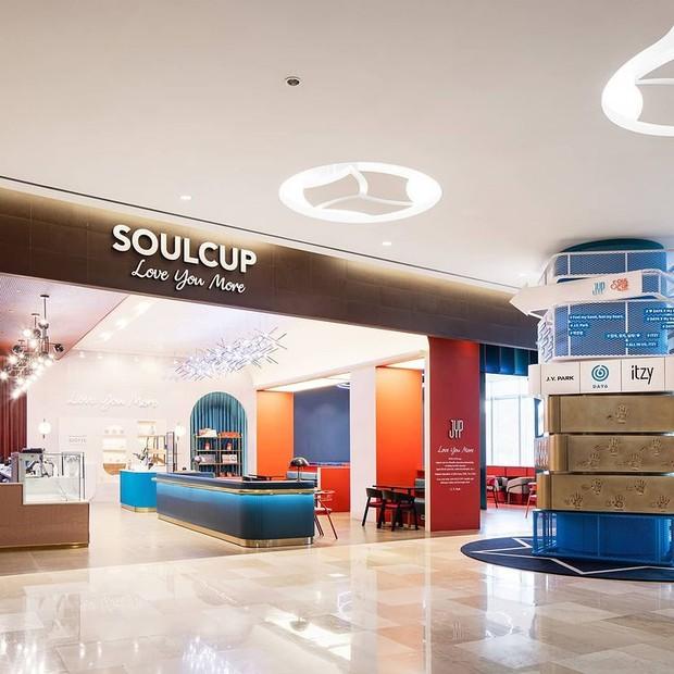 Suasana kafe JYP Entertainment, Soul Cup.