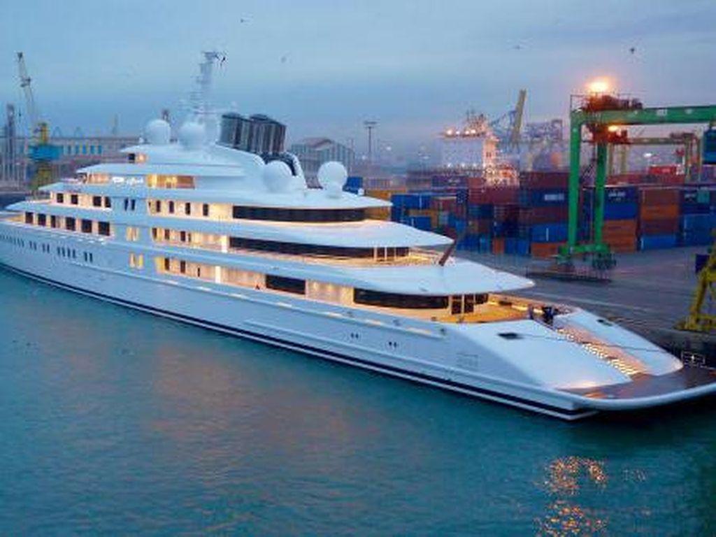 Kalau Uangmu Pas-pasan, Pikir-pikir Lagi Deh Beli Superyacht!