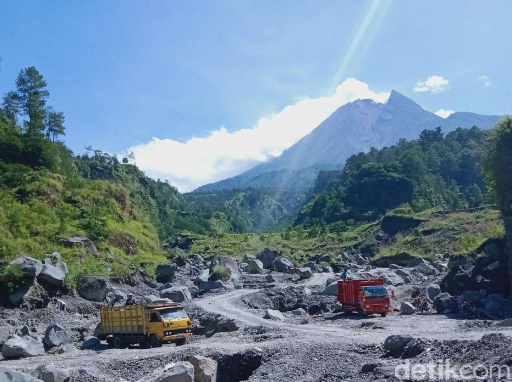 Asyik Ngevlog, Turis di Kali Talang Gunung Merapi Tewas Jatuh ke Jurang