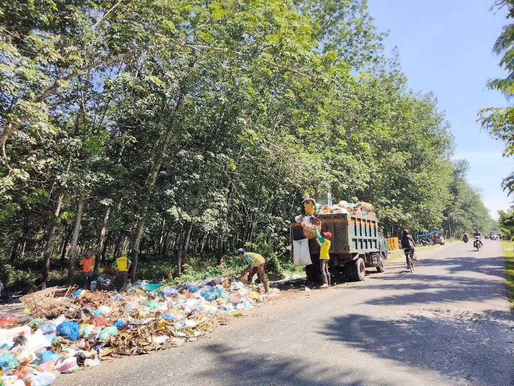 Tumpukan Sampah Mengular di Asahan Tiap Sore Diangkut, Pagi Numpuk Lagi
