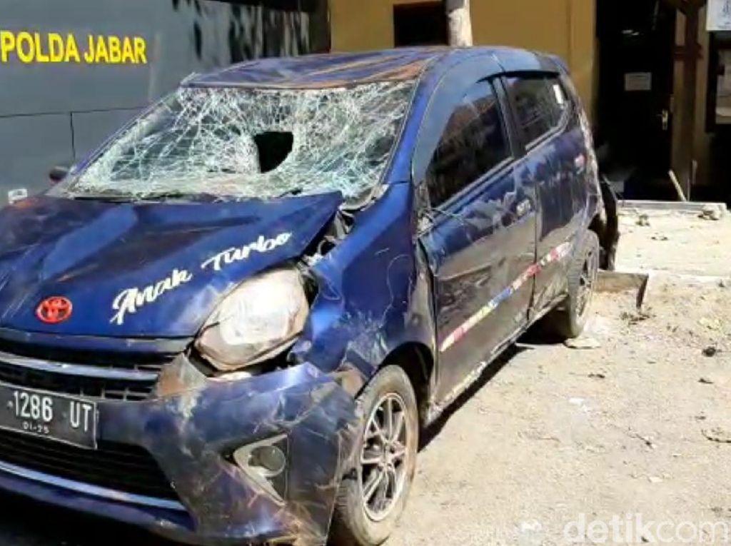 Viral Video Warga Rusak Mobil Pria Pengantar Wanita di Sukabumi