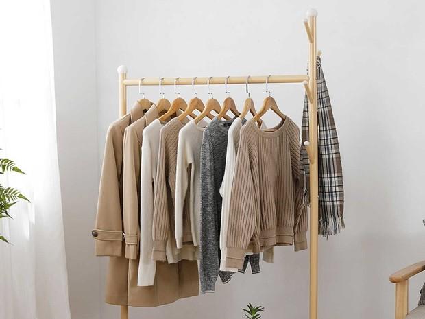 Warna pakaian yang sering kamu pakai juga bisa menjadi tolak ukur dalam memilih warna behel.